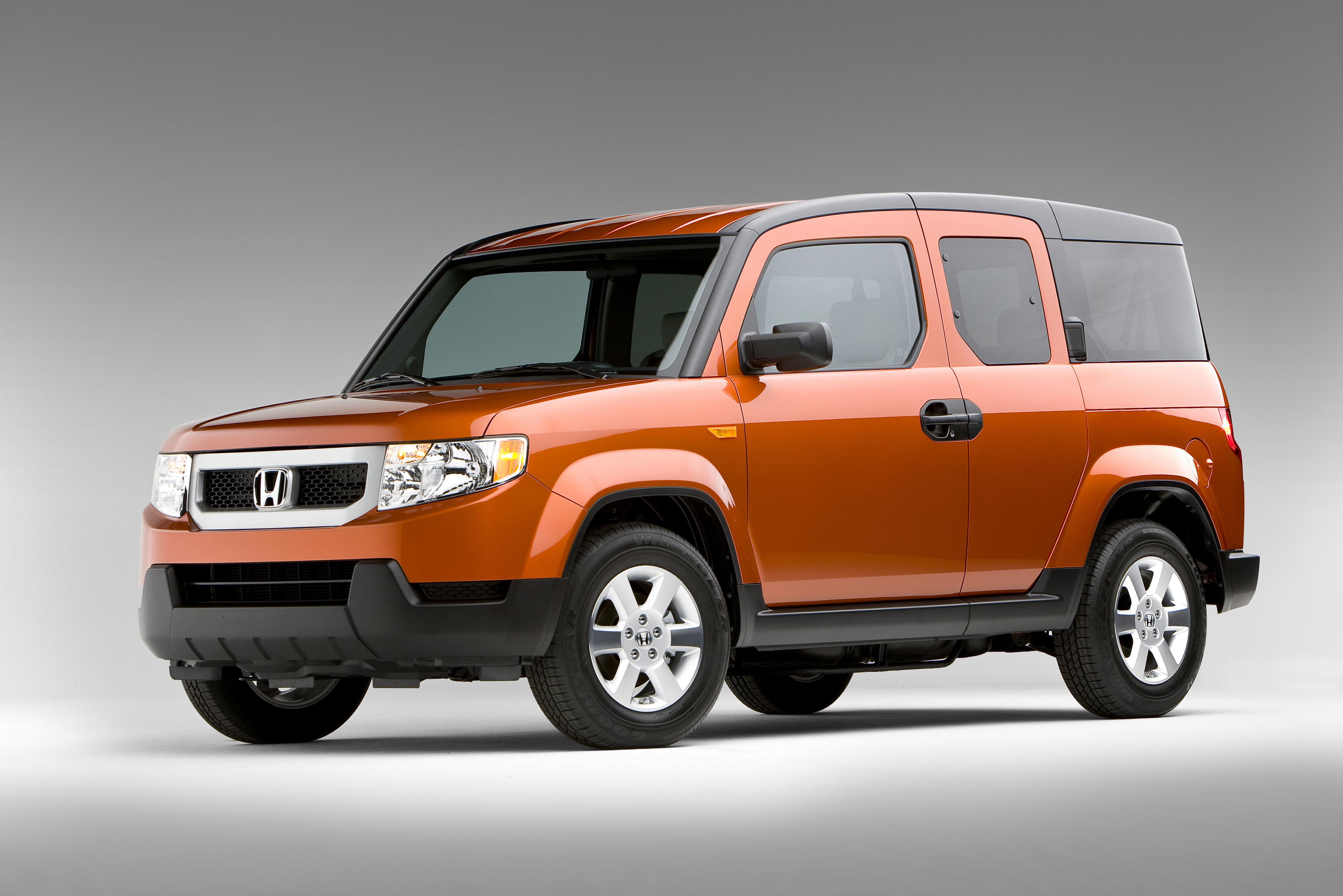 American Honda Motor Co. is recalling 5,216 Honda Element vehicles equipped  with an accessory ...