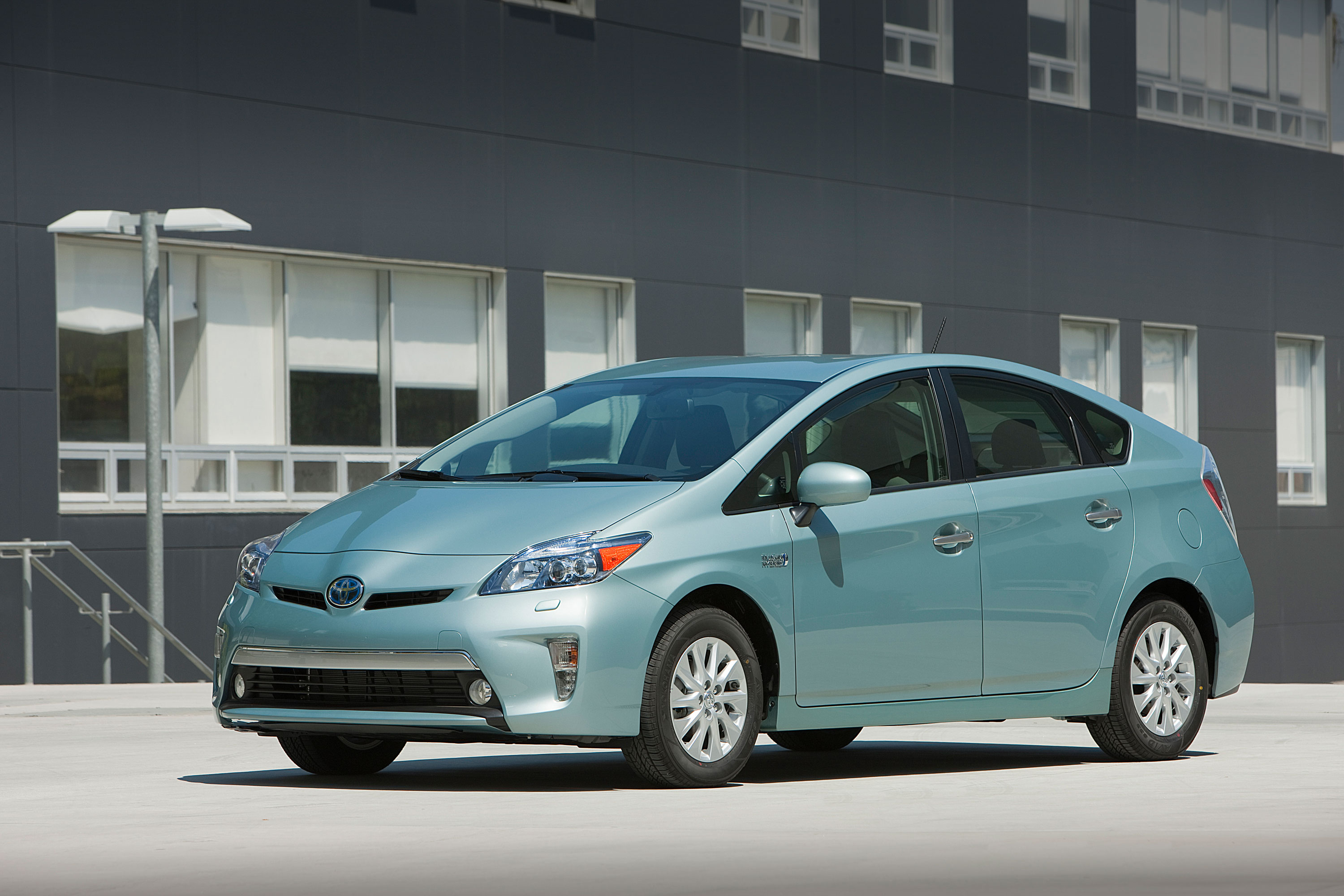 Alternative Fuel Vehicle Supporters Desire Vehicles From Bmw Lexus Toyota And Ford