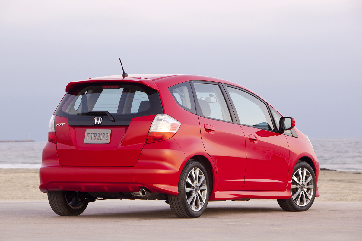 Kbb.com Reports Most Fuel-Efficient Vehicles Available With Five ...