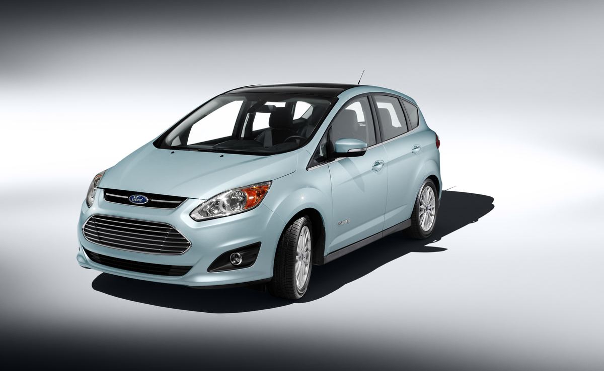 Ford Targets Prius Non Hybrid Owners By Redrawing Por Clic Animated Character In New C Max Ads