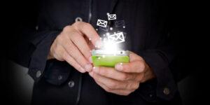 mani, appuntamento, telefonino, scrivere, sms